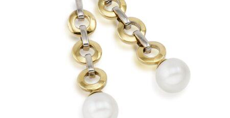 Pendientes largos combinados con perlas cultivadas