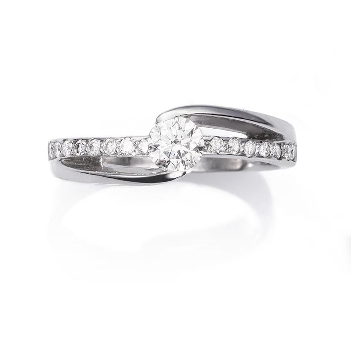Anillos-solitario-de-diamantes-anillos-de-compromiso-0CLS10007-D1-MIREIA. Joyerías Germán Madrid